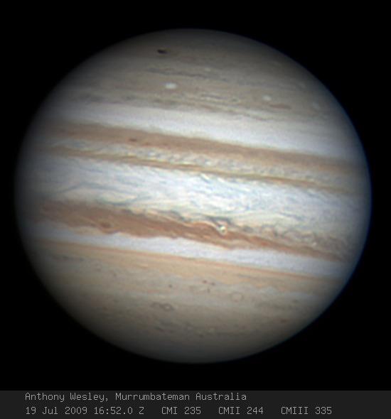 木星に新しい模様が発生、小天体...