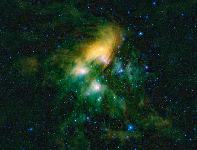 Разгадана загадка звездного скопления Плеяды (2 фото)
