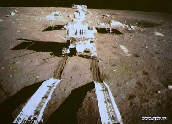 嫦娥3号、37年ぶりの月面軟着陸...