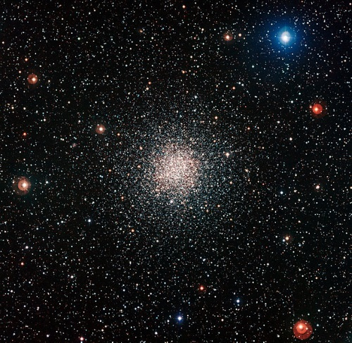 低質量の球状星団にも見られる化学的な異常 - アストロアーツ